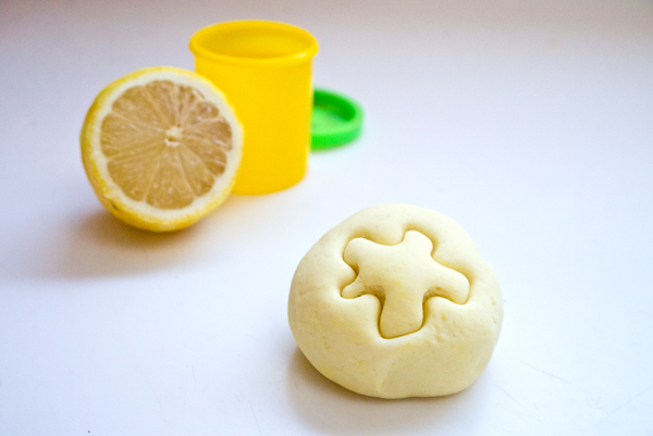 Homemade self-drying play dough